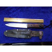 Нож типа Боуи в кожаных ножнах. Ручная работа.