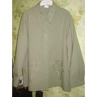 Блузка зелёная с вышивками р.52-54