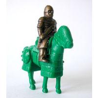 Киндер. Рыцарь на коне