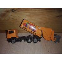 """Модель грузовика мусоровоза Скания.""""siku"""".1/87."""