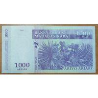 1000 ариари 2004 года - Мадагаскар - UNC