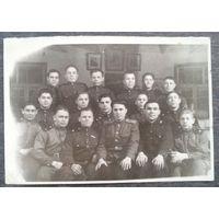 Фото личного состава ремонтной части. Масюковщина. Начало 1950-х. 9х13 см.