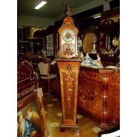 Антикварные часы на подставке. Маркетри. 2 метра
