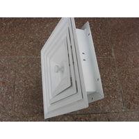 Металлическая потолочная вент. решетка регулируемая. Новая. Размер 300х300мм.