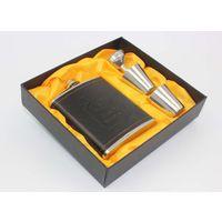 """Фляга 7 оз """"Jim Beam"""", нержавейка, покрыта искуственной кожей. + подарок: воронка и 2 рюмки + подарочный футляр. распродажа"""