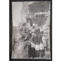 Групповое фото советских отдыхающих в Крыму. !930-е. 11х17 см