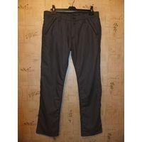 Стильные и современные мужские брюки, купила брату, но оказались малы Размер W33 L35 поталии 47 см, длина 114 см