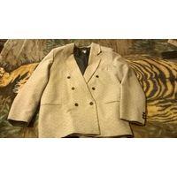 Пиджак мужской светло-серый двубортный