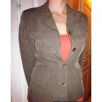Пиджак с перламутровыми пуговицами р 44