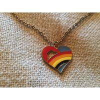 Цепь с кулоном Сердце эмали Германия винтаж