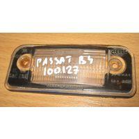 100127 Vw Passat B4 пластик подсветки номерного знака