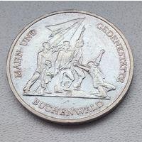"""Германия - ГДР 10 марок, 1972 Мемориал """"Бухенвальд"""" около Веймара 6-9-9"""