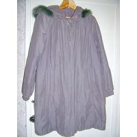Пальто демисезонное серое с капюшоном,р.46-50