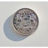 2 лата 1925 года Серебро 0.835