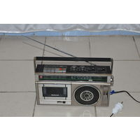 Оригинальная ЯПОНСКАЯ магнитола середины 80-х.Рабочий приёмник,кассета требует ремонта, не производит звук.