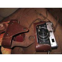 Фотоаппарат  ФЭД номерной с кожаным чехлом.Может кому в коллекцию нужен.Из СССР