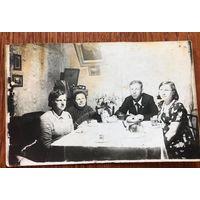 Фото застолье, 1939 год, Западная Беларусь, интерьер, патефон