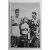 Олимпиада 1936 г. Третий Рейх. Из группы номер 60, отличное состояние...