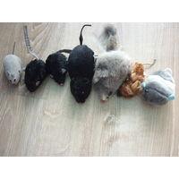 Игрушки мыши,для кошки,новые.7 штук.Одним лотом.Цена за все!