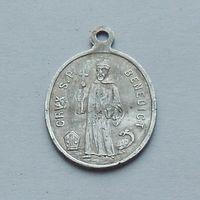 Католический медальон с Бенедиктом