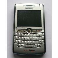 BlackBerry Q10 и BlackBerry 8830 World Edition.