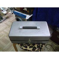 Ящик металлический 33-18-11 см.