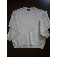Фирменный мужской свитер50-52 размер.