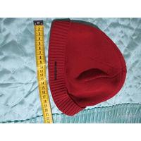 Удобная, компактная демисезонная шапочка