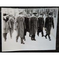Семь фотографий о посещении Маршалом СССР Огарковым Н.В одной из воинских частей СССР. 1970-80-е 11х16 см.