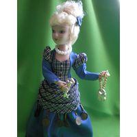 Кукла фарфоровая  (19 см)