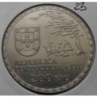 """Португалия, 200 эскудо 1993 год, """"450 лет искусству намбан"""" - 36 мм."""