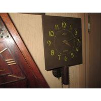 Часы ходики настенные Маяк 1950 г.