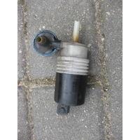 104198Щ VW Passat B4 моторчик бачка стеклоомывателя 1h6955651