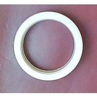 Кольцо для прокладки проводов в компьюторном столе