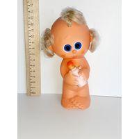 Резиновая игрушка ГДР кукла куколка младенец с бутылочкой, малыш с соской 15 см