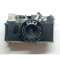 ОБЪЕКТИВ ИНДУСТАР - 70 и часть корпуса фотоаппарата .