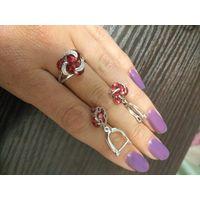 Серьги и кольцо с камнями