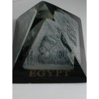 "Сувенир - ""Пирамида"" из Египта."