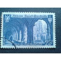 Франция 1949 аббатство в Нормандии