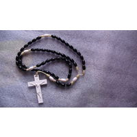 Крестик Католический и чётки для молитвы. (пластик). распродажа