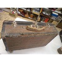 Старый фанерный чемодан с уголками 49*31*15 см в реставрацию.