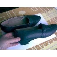 Туфли женские новые (размер 39)