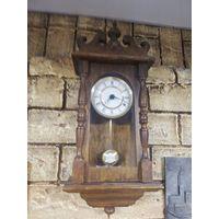 Аукцион с рубля. Часы настенные в деревянном корпусе