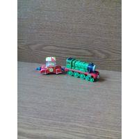 Маленький веселый паровозик зелёного цвета Генри Henry (Томас и его друзья, Thomas and Friends) и Вагон-прицеп поп-корн (Веселые паровозики из Чаггингтона, CHUGGINGTON LC54024) серии Die-Cast.