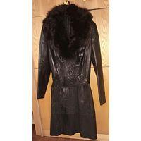 Пальто женское  из натуральной кожи