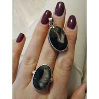 Кольцо и кулон. натуральный черный агат с жеодой горного грусталя
