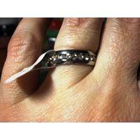 Кольцо из хирургической стали с цирконами