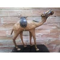 Верблюд из папье-маше, с дефектами
