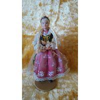 Кукла в национальной одежде. Польша