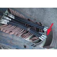 Накладки тормозные не сверленые и шланги гибкие тормозные (осталось 3 тормозных шланга с диаметром резьбы, отмеченным на фото стрелкой).